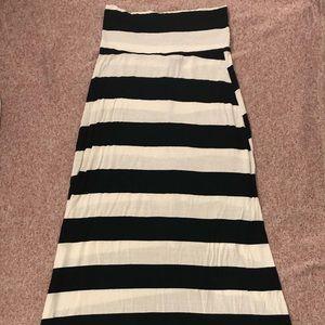 🌸 living doll black & white striped maxi shirt 🌸